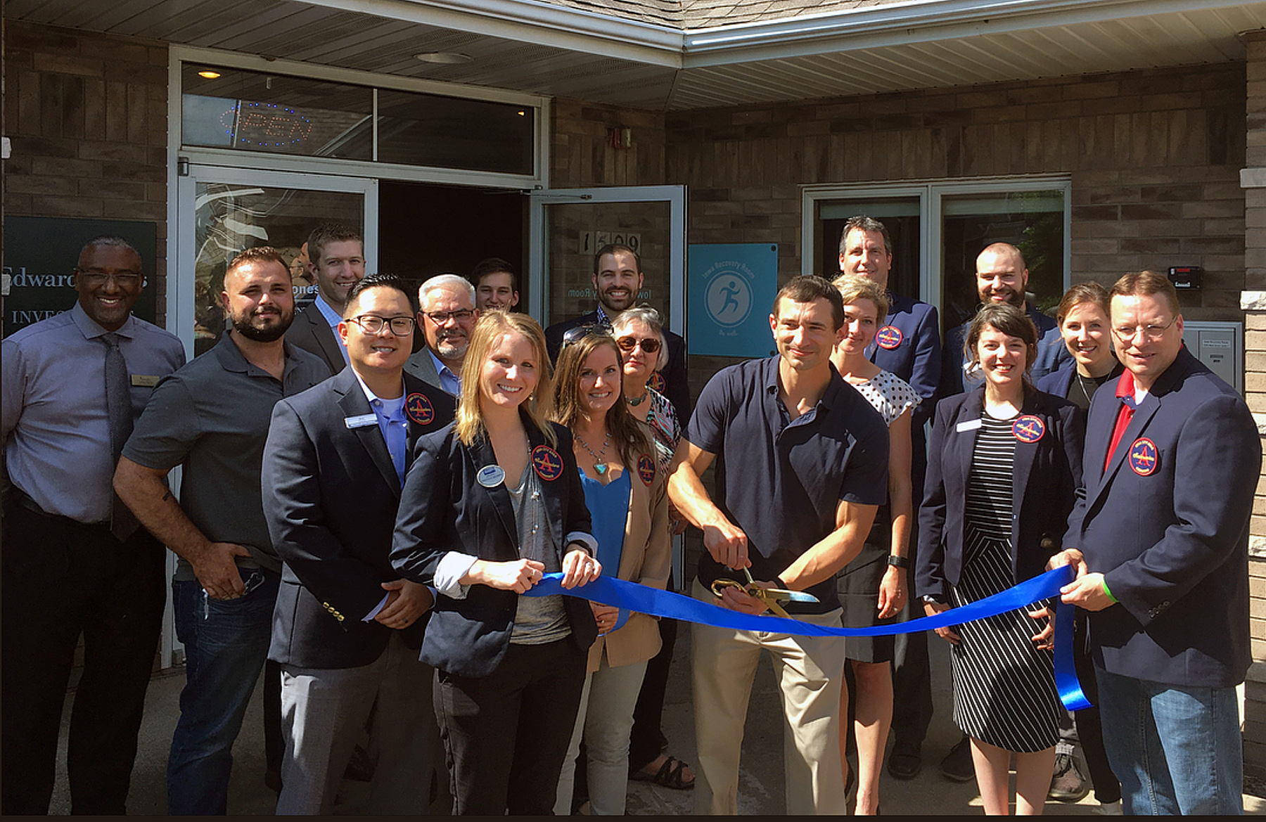 Iowa recovery Room Ribbon cutting
